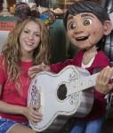 Shakira (kairėje)