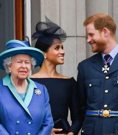 Elizabeth II, Meghan & Harry