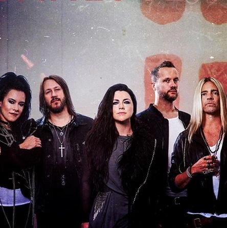 """Evanescence"""